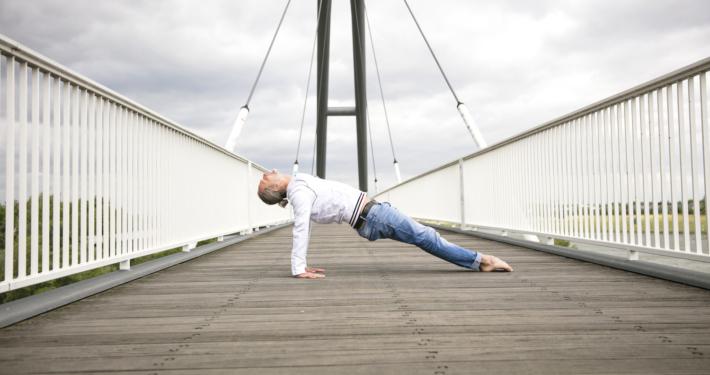 Rundum Yoga Marc Wenke Bruecke Hafen Duesseldorf