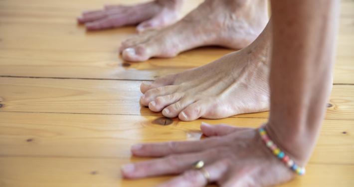 Rundum Yoga Susanne Wenke Haende und Fuesse Studio Pempelfort