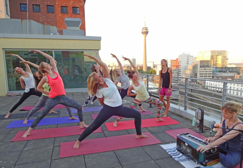 Sunset Yoga Rundum Yoga Hafen Düsseldorf