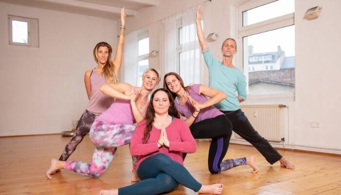 Teacher Trainer Team RYS h Yogaleherausbildung von Rundum Yoga Duesseldorf