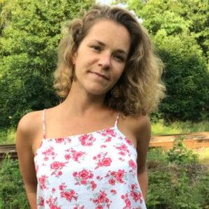 Mieke Kleefeld Yoga Teacher bei  Rundum Yoga duesseldorf