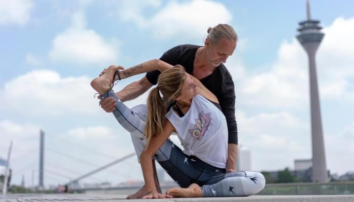 Bine Steenarts Marc Wenke Rundum Yoga Duesseldorf