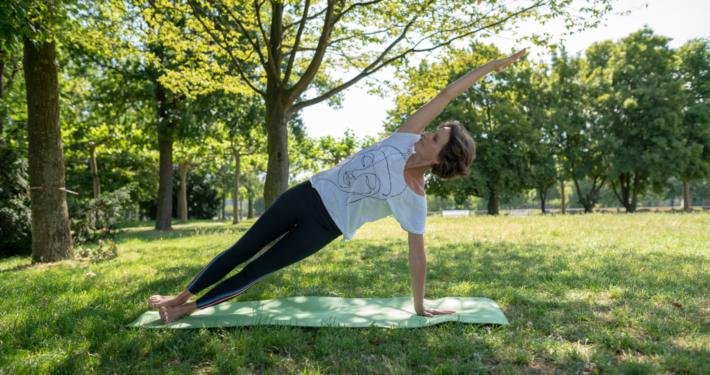 Susanne Wenke Laufen und Yoga auf der Rheinwiese Rundum Yoga Duesseldorf
