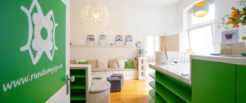 Die Studios von Rundum Yoga in Duesseldorf Unterbilk und Pempelfort sind wieder geoeffnet