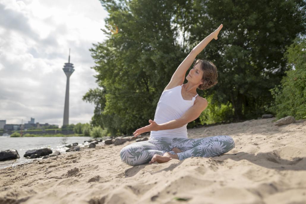 Outdoor Yoga mit Rundum Yoga Duesseldorf